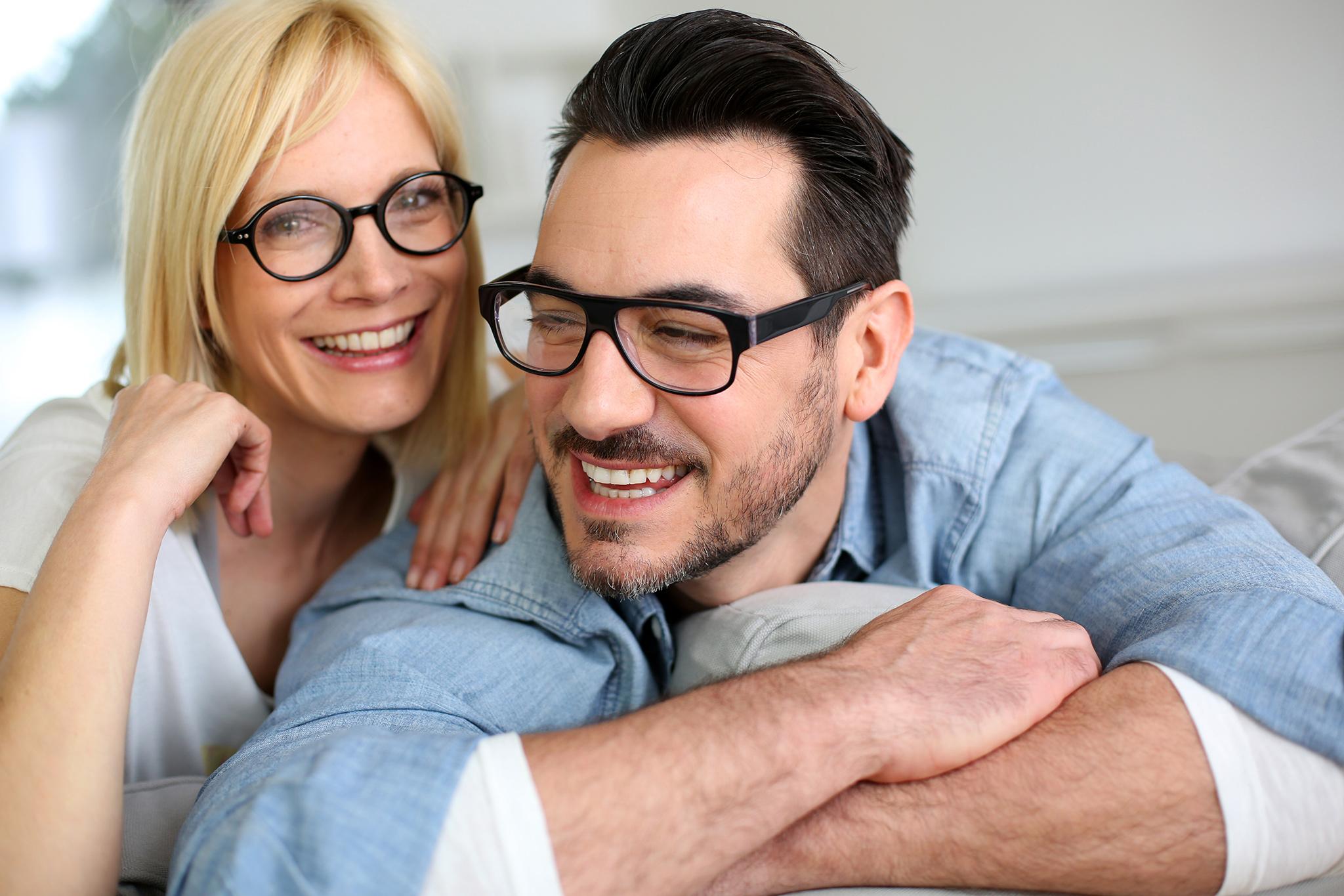Sphère Optique, couple avec lunettes